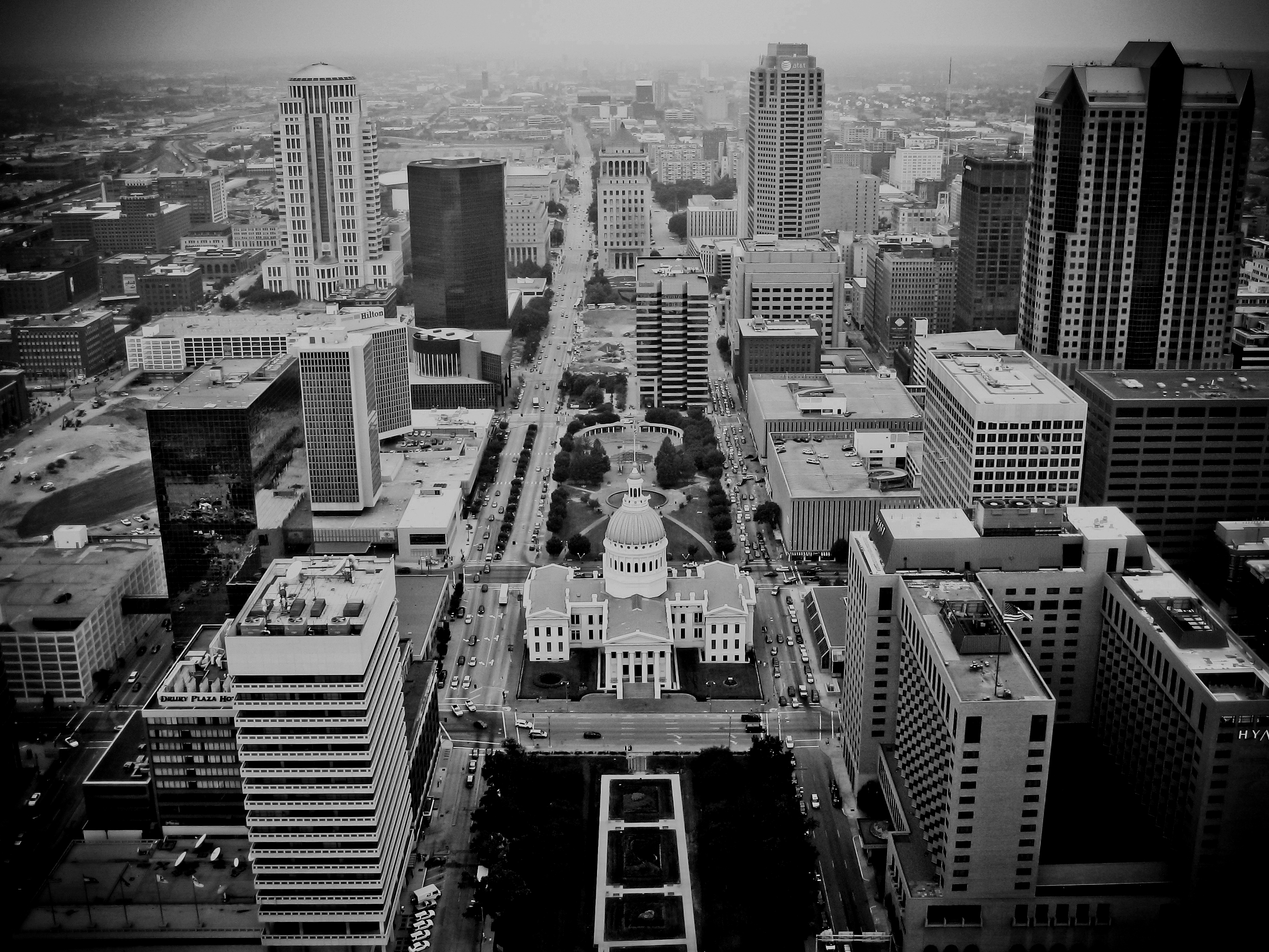 Black and white Arial view of government buildings in the center of a city.